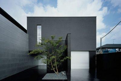 black-exterior-japanese-house-design